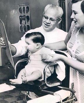 Ретро-фото детской стрижки